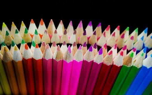 viele bunte Stifte