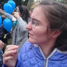 Inga bei einem Fest