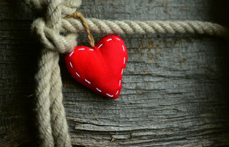 Herz mit Kordel
