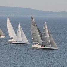 Bild mit Segelbooten